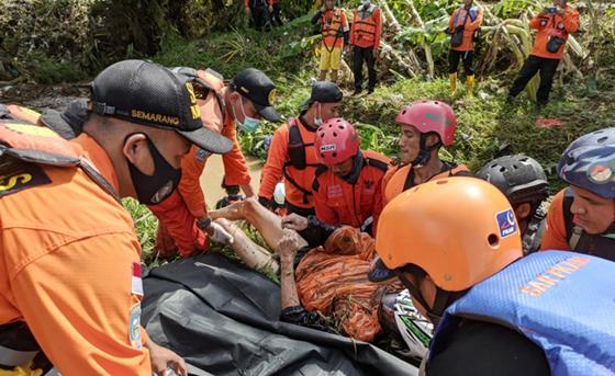Hujan Disertai Angin, Kendal Dilanda Banjir, Longsor dan Pohon Tumbang