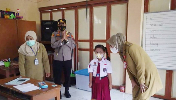 Bupati dan Kapolres Grobogan Cek Simulasi PTM di Tiga Sekolah