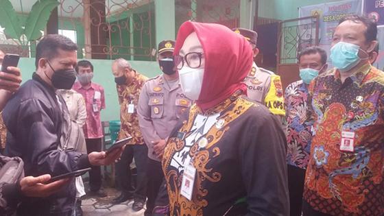 Bupati Grobogan Bersama Dandim dan Kapolres Tinjau Posko PPKM Mikro di Godong
