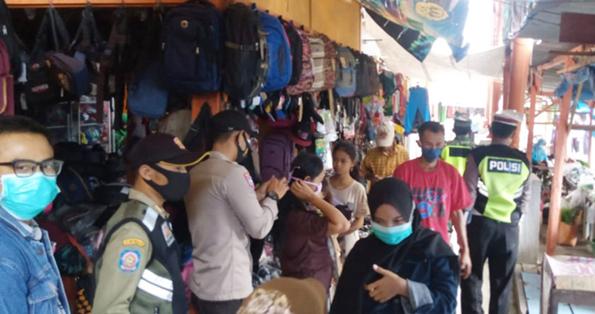 Blusukan Pasar, Polisi di Blora Serukan Protokol Kesehatan