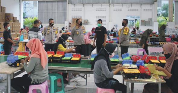 Kapolres Demak Cek Penerapan Prokes di Dua Pabrik