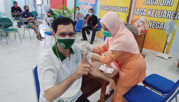 Lima Wartawan Kendal Jalani Vaksinasi Susulan di RSUD Soewondo