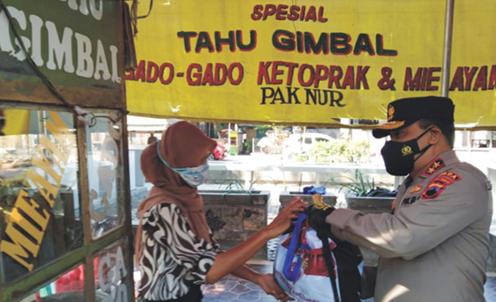 Polda Jateng Salurkan 39 Ribu Paket Sembako dan 231 Ton Beras untuk Warga Terdampak PPKM Darurat